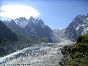 Ледник Караугом. Фото Михаила Голубева.